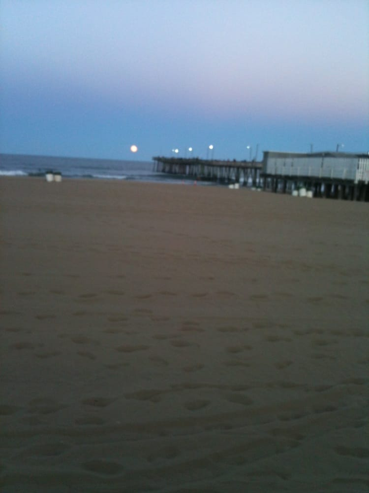 Photos for virginia beach fishing pier yelp for Fishing piers in va