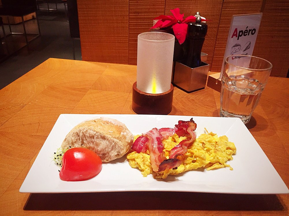 Chalet suisse cuisine suisse airside center 1 stock - Restaurant cuisine moleculaire suisse ...