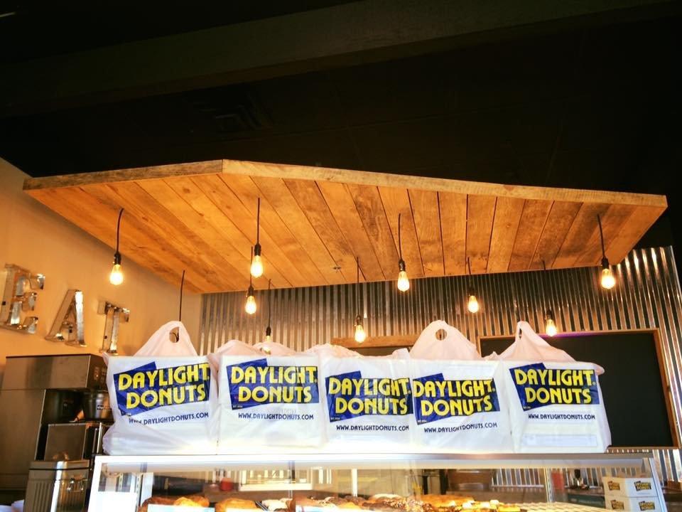 Daylight Donuts: 7480 Parkway Dr SE, Leeds, AL