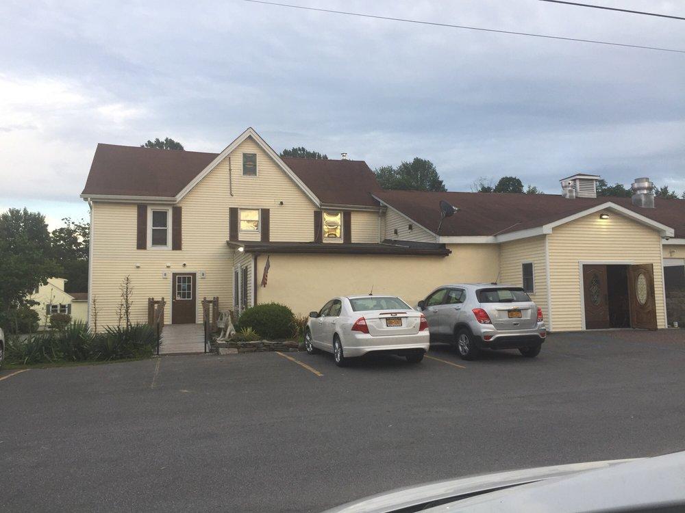 Kiernan's Pub and Tavern: 66 N St, Pine Bush, NY