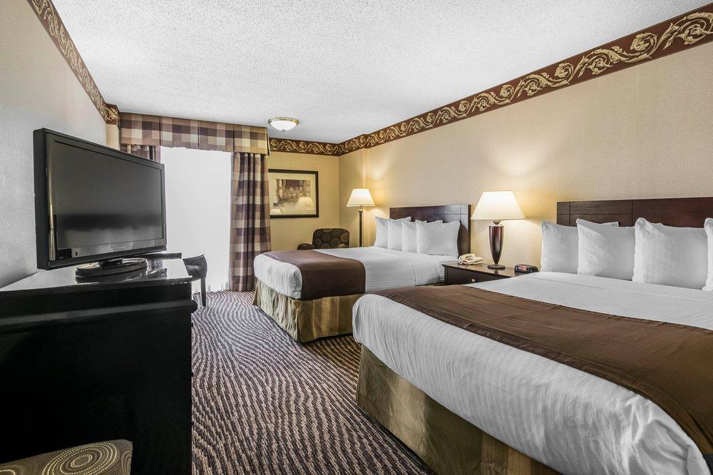 Radisson Hotel Louisville North: 505 Marriott Dr, Clarksville, IN