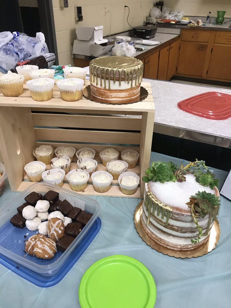 Starry Night Bakery: 330 One Forty Village Rd, Westminster, MD