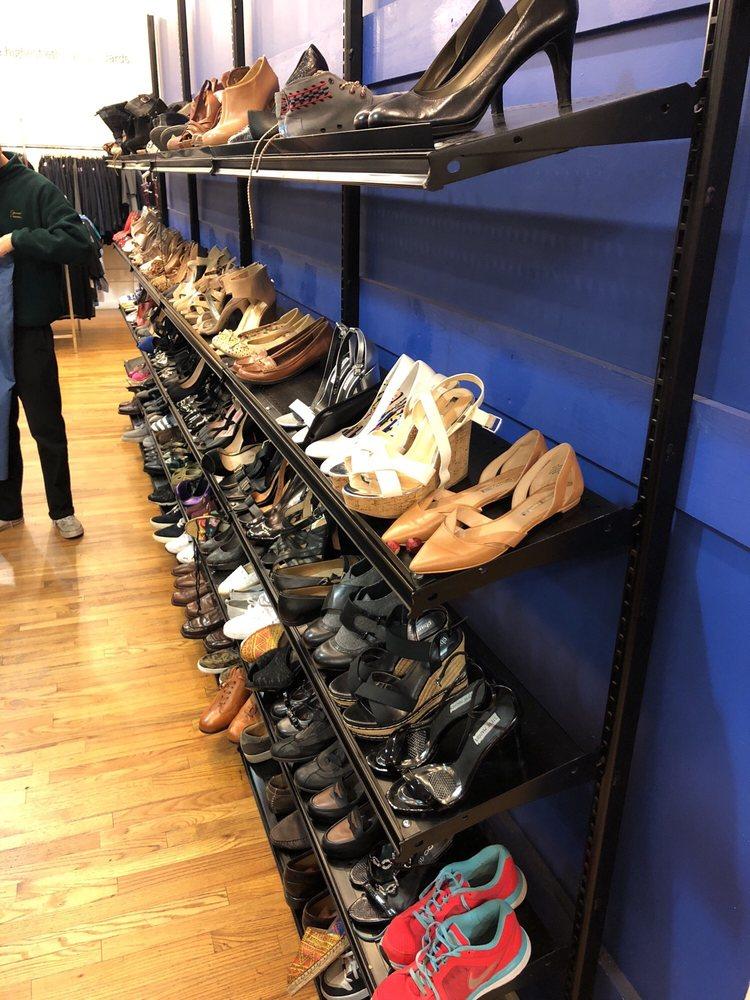 e0cfeb39c4 Goodwill Industries - 51 Photos   55 Reviews - Thrift Stores - 44 W ...