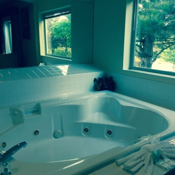 Photo Of Comfort Suites Hood River Or United States Jacuzzi Tub In