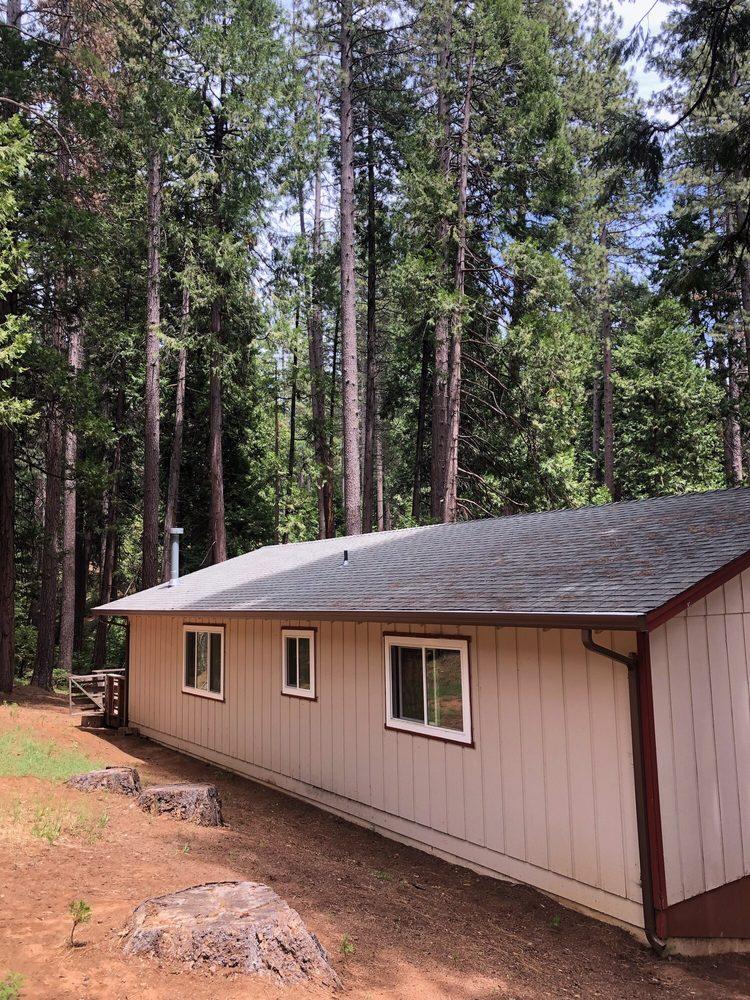Yosemite Seamless Gutters: Mi-Wuk Village, CA
