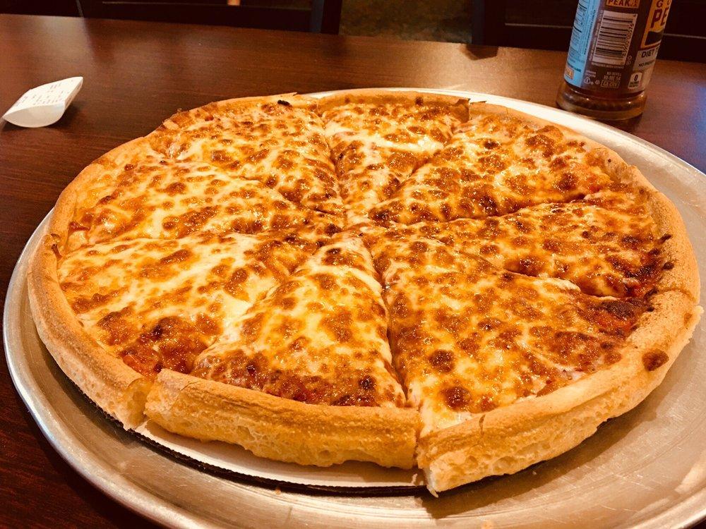 Pizza Chef: 88 Main St, Windsor, VT