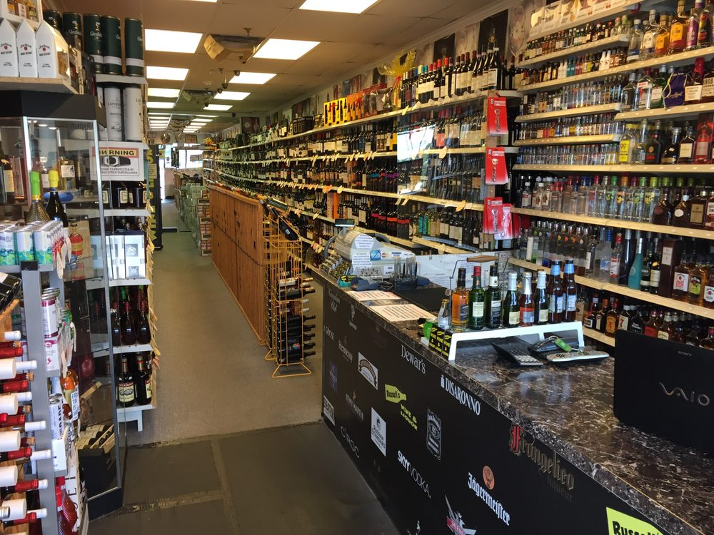 Russell's Wine and Liquor: 1018 Waverly Ave, Holtsville, NY