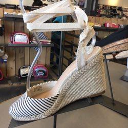 65fa0a5975 DSW Designer Shoe Warehouse - 69 Photos   50 Reviews - Shoe Stores ...