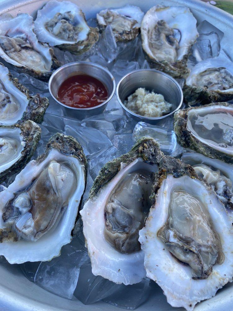Capt'n Butchers Seafood Grill & Bar: 1732 Indian River Dr, Sebastian, FL