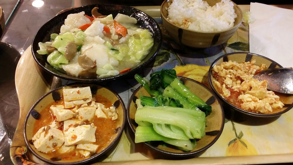 Ginger fillet fish with various side dishes yelp for Side dishes for fish
