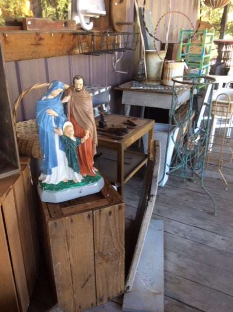 Antiques & Accents: 45 Lynn Camp Church Rd, Corbin, KY