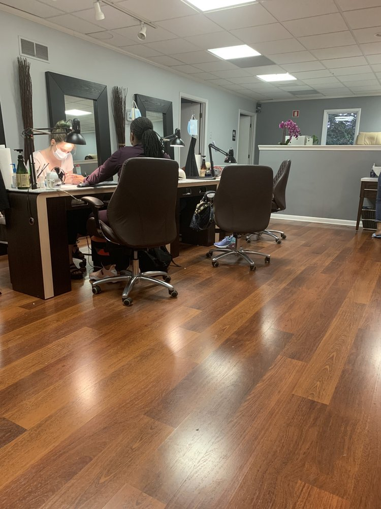 Diane's Nails and Spa: 3469 South Dupont Hwy, Camden, DE
