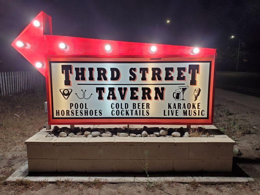 Third Street Tavern: 26998 3rd St, Highland, CA