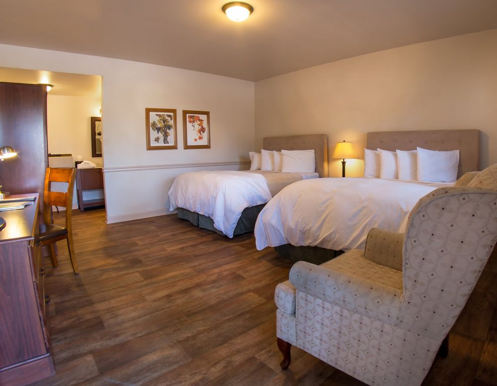 The Wine Country Inn: 830 N 5th St, Jacksonville, OR