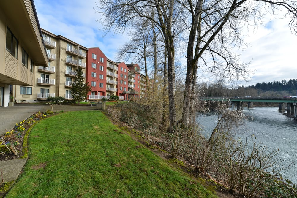 Holiday Inn Express Portland SE - Clackamas Area: 75 82nd Dr, Gladstone, OR