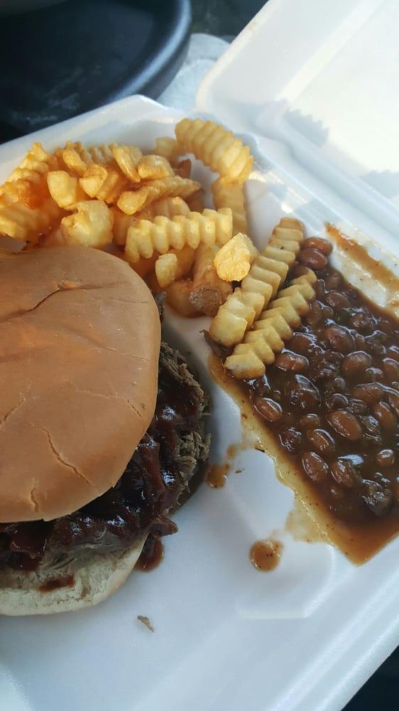 Mr. C. BBQ & Grill: 851 N Broadway St, Greenville, MS