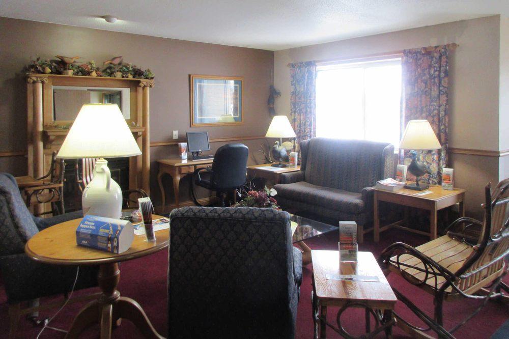 Quality Inn & Suites: 37268 US-18, Prairie Du Chien, WI