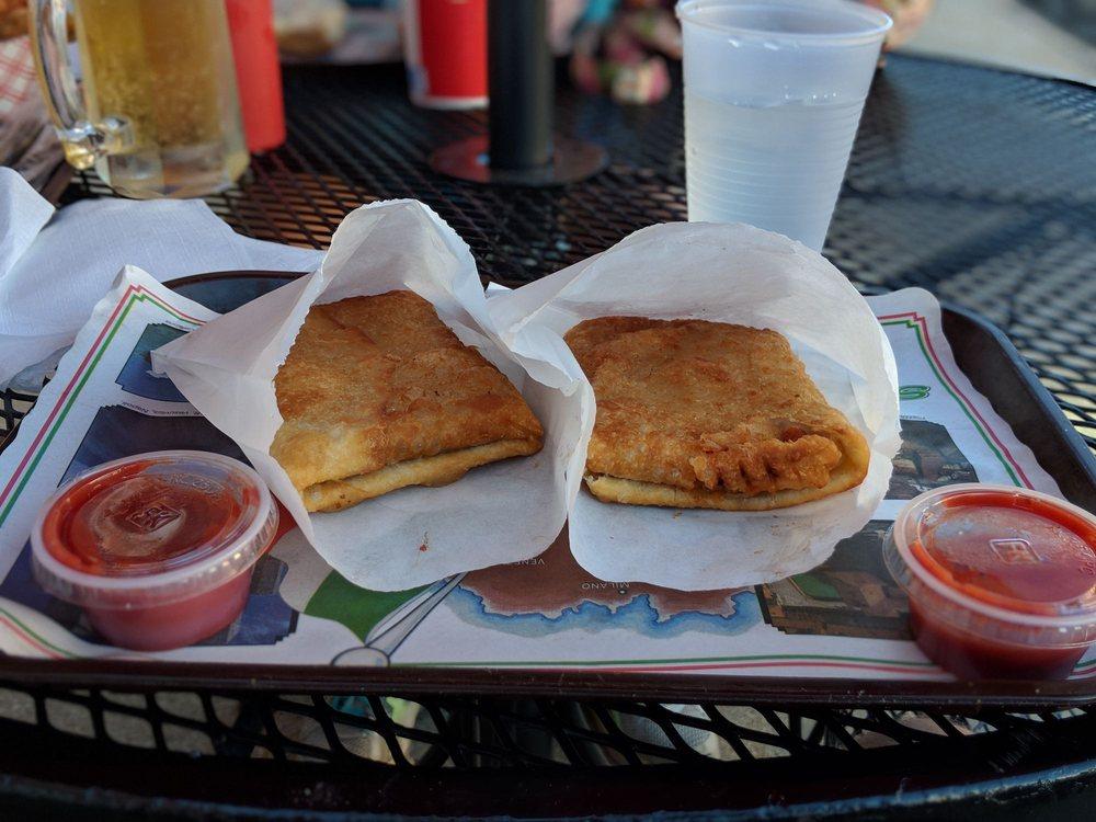 Bobaluk's Beef & Pizza: 458 Main St, Marseilles, IL