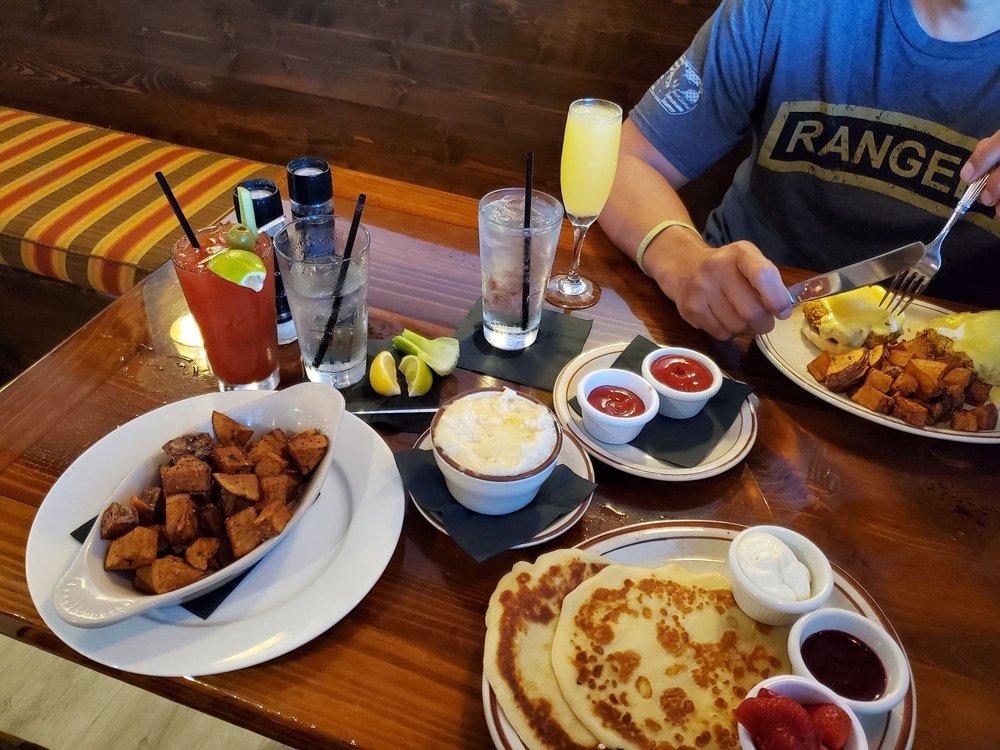 Hutchinson American Kitchen: 10867 S Ocean Dr, Jensen Beach, FL