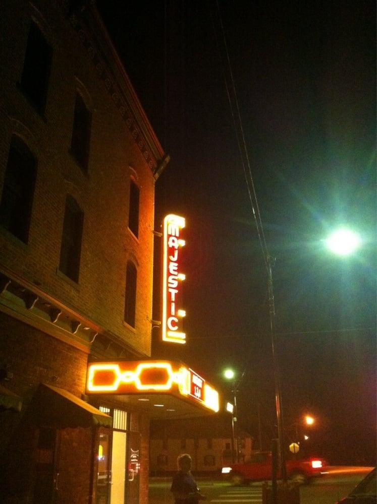 Majestic Community Theatre: 724 4th St, Phillipsburg, KS