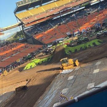 Aloha Stadium - 781 Photos & 148 Reviews - Stadiums & Arenas