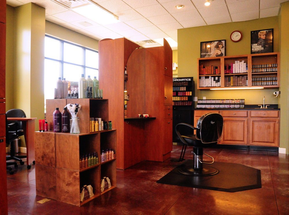 Attitudes Salon: 4100 M 139, St. Joseph, MI