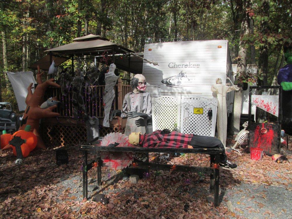 Adventure Bound Camping Resorts: 400 E Maple Grove Rd, Narvon, PA