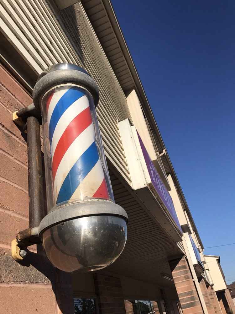 Saffell's Barbershop: 5440 Fulton Dr NW, Canton, OH