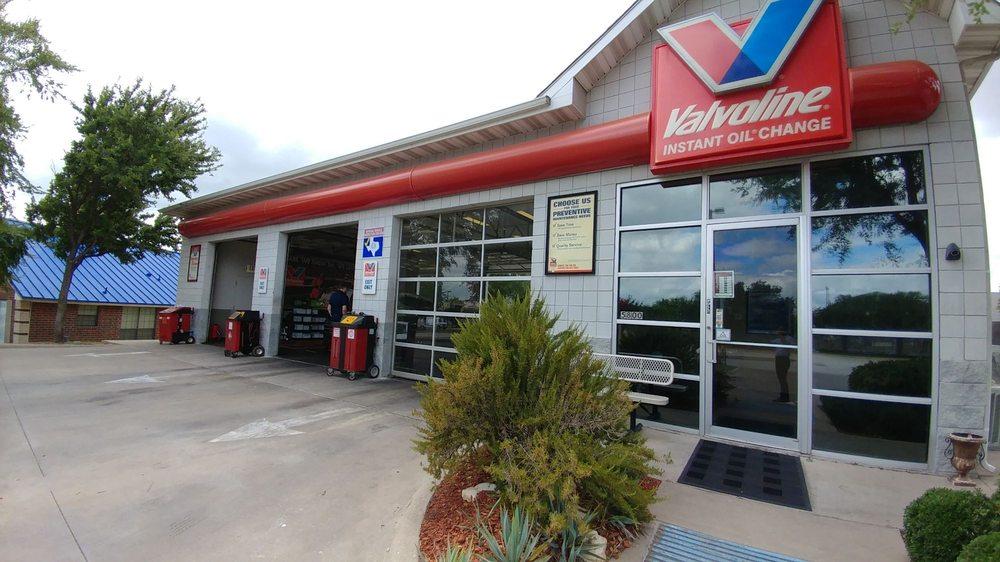 Valvoline Instant Oil Change: 5800 Bryant Irvin Rd, Ft. Worth, TX