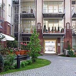 Bed and Breakfast in Fabrikloft Berlin Friedrichshain - Vacation ...