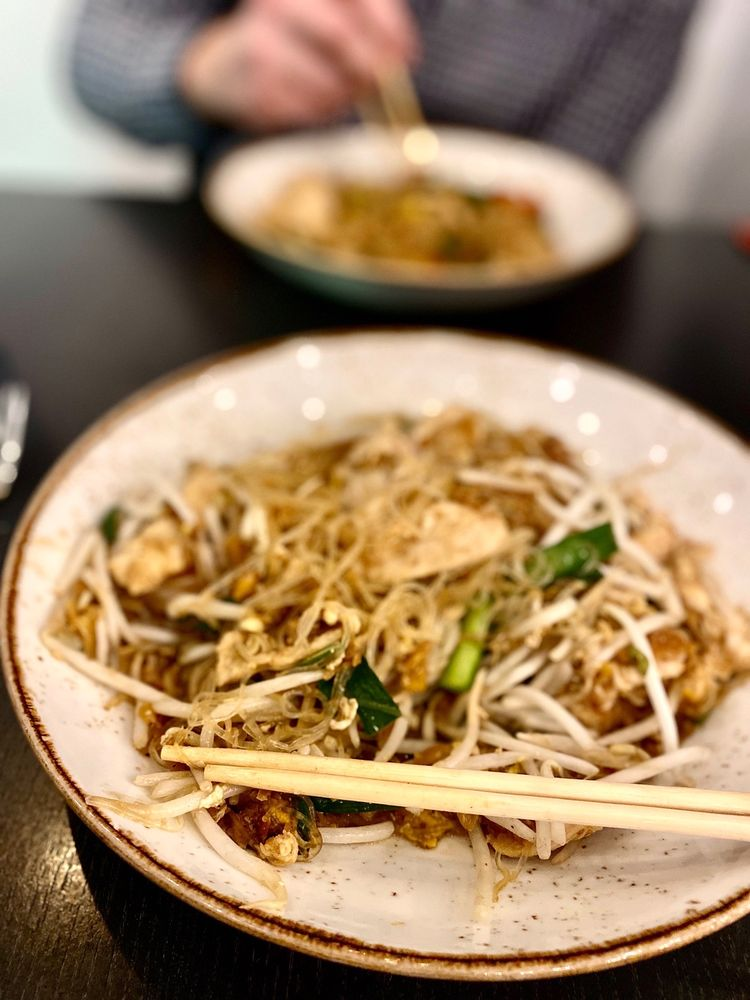 Senyai Thai Kitchen: 5865 Ellsworth Ave, Pittsburgh, PA