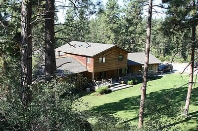Swan Hill Bed and Breakfast & Lake Cabin: 39407 Kings Point Rd, Polson, MT
