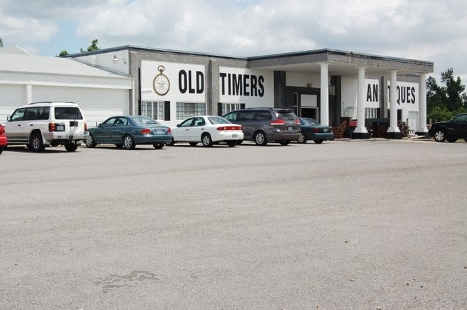 Old Timer's Antique Mall: 16655 N Outer Rd, Dexter, MO