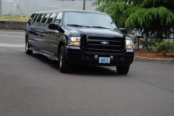 Northwest Limousine & Town Car Service: 21901 S Yeoman Rd, Beaver Creek, OR