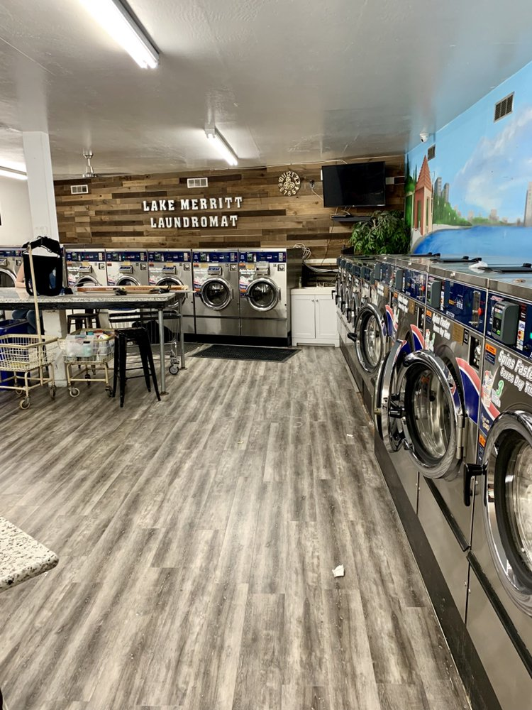 Lake Merritt Laundromat: 500 Wesley Ave, Oakland, CA