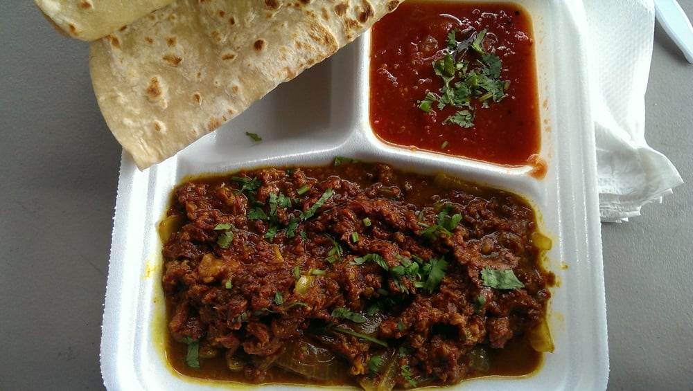 Corned beef curry with 2 pieces of Roti! - Yelp