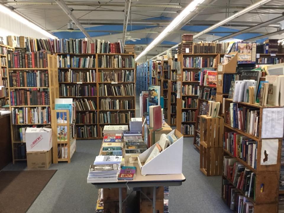 Quaboag Book Shop: 80 W Main St, West Brookfield, MA