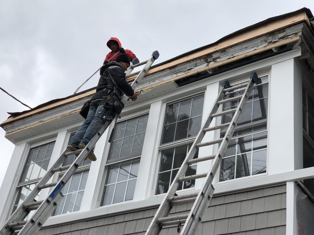 Spotless Gutter Cleaning & Repair: 205 Elm Pl Rear, Mineola, NY
