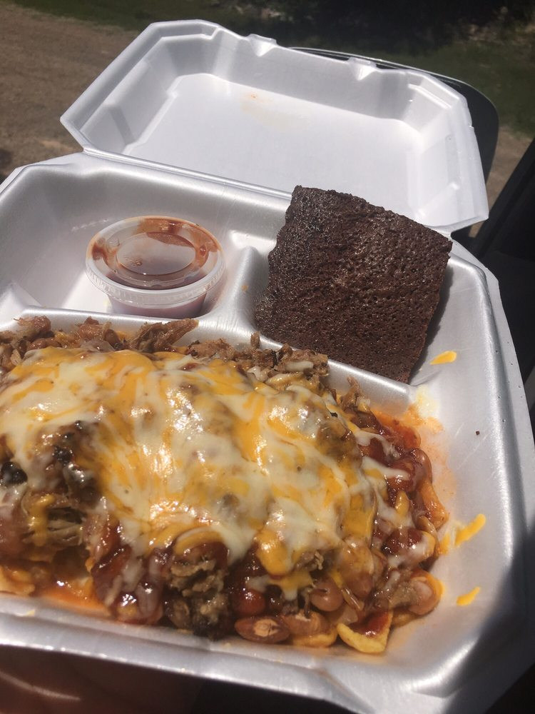 Shonda's Snack Shack: 1210 E 2nd St, Clarendon, TX