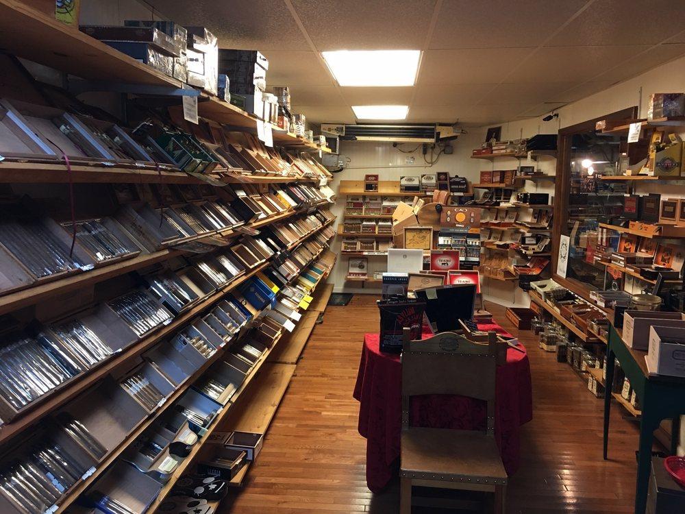 Sidetrack Tobacco: 523 State St, Bristol, VA