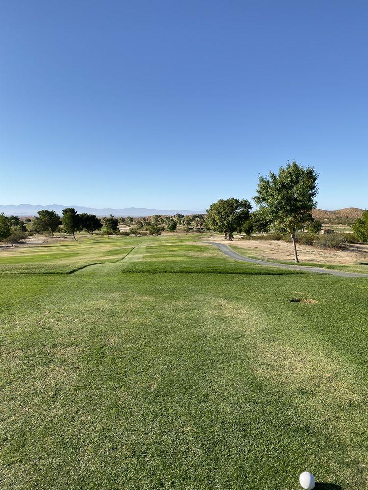 Muroc Lake Golf Course: Crest Dr, Edwards, CA