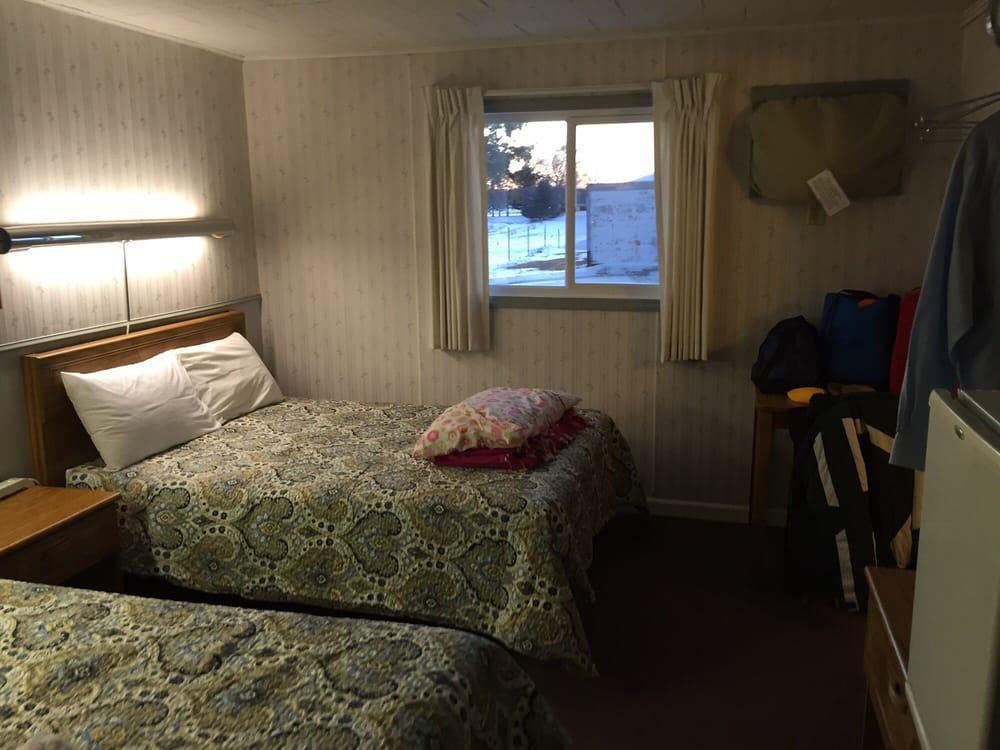 Crest Red Carpet Inn: 15944 State 76, Caledonia, MN