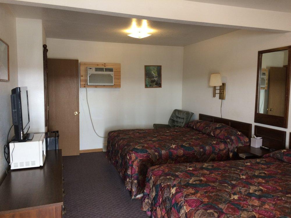 Sportsman Motel: 231 N 1st E, Malta, MT