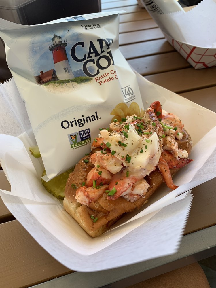 Quincy's Original Lobster Rolls: 709 Beach Ave, Cape May, NJ