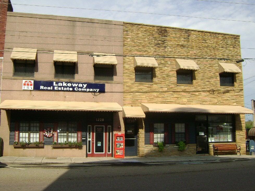 ERA Lakeway Real Estate: 1228 Gay St, Dandridge, TN