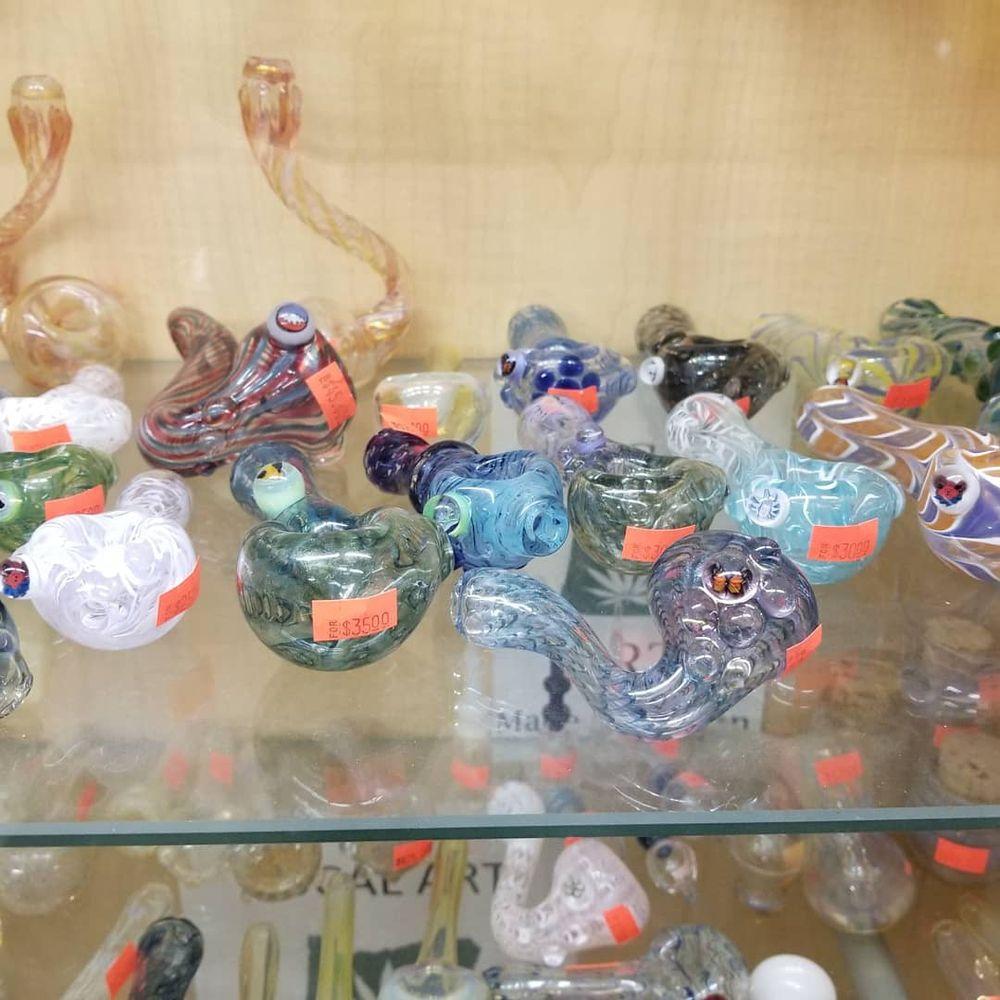 Smokin Toys: 51456 Hwy 97, La Pine, OR