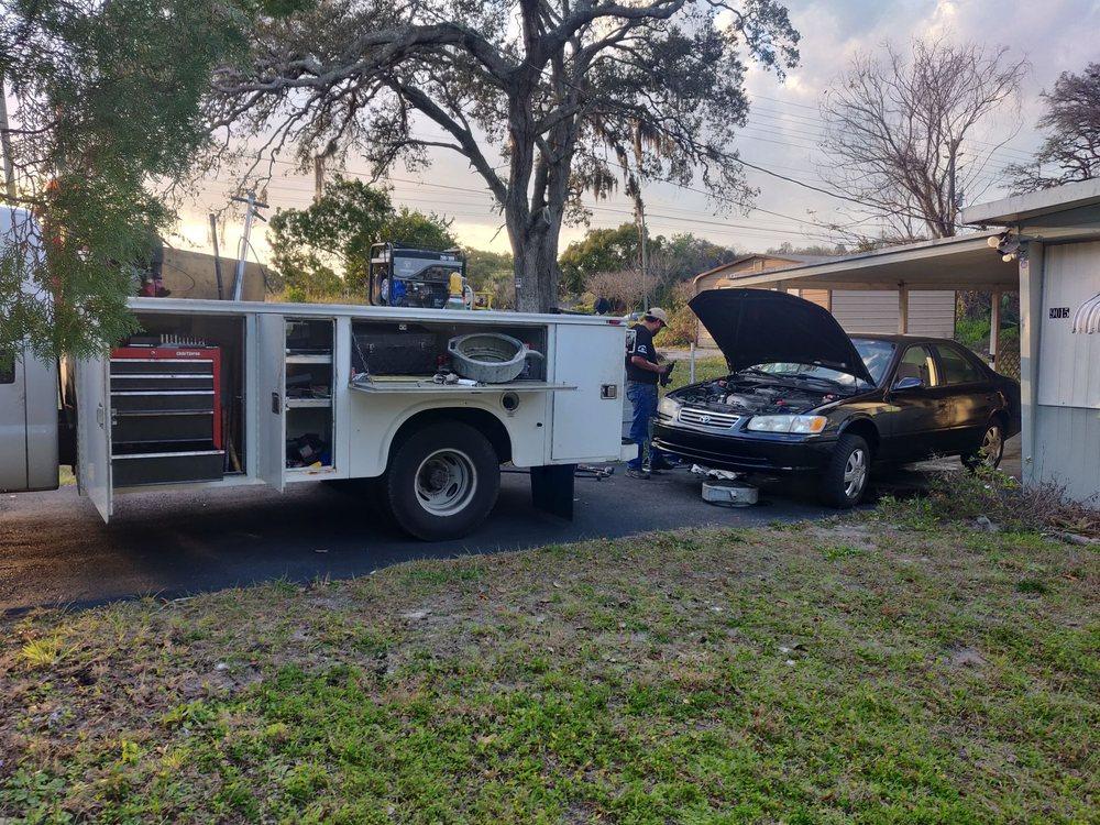 Towing business in Bloomingdale, FL