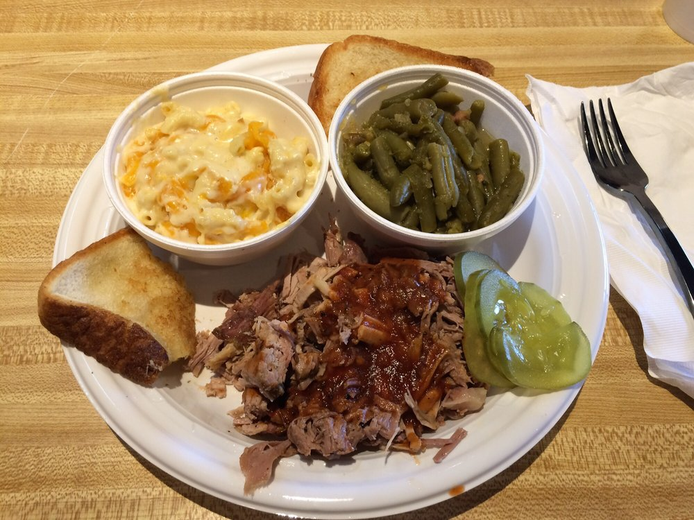 August's Barbeque: 35571 US Hwy 280, Sylacauga, AL