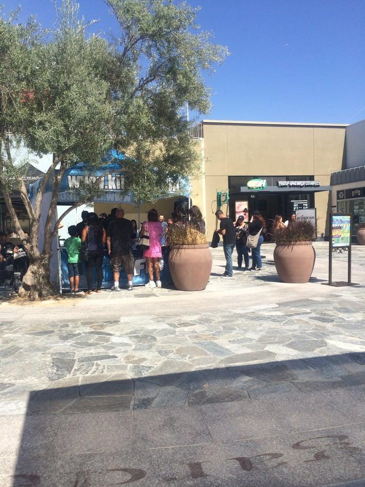 Restaurants In Garden Walk Anaheim: KIIS FM Giveaway. Loitering For Free Tickets For Wango
