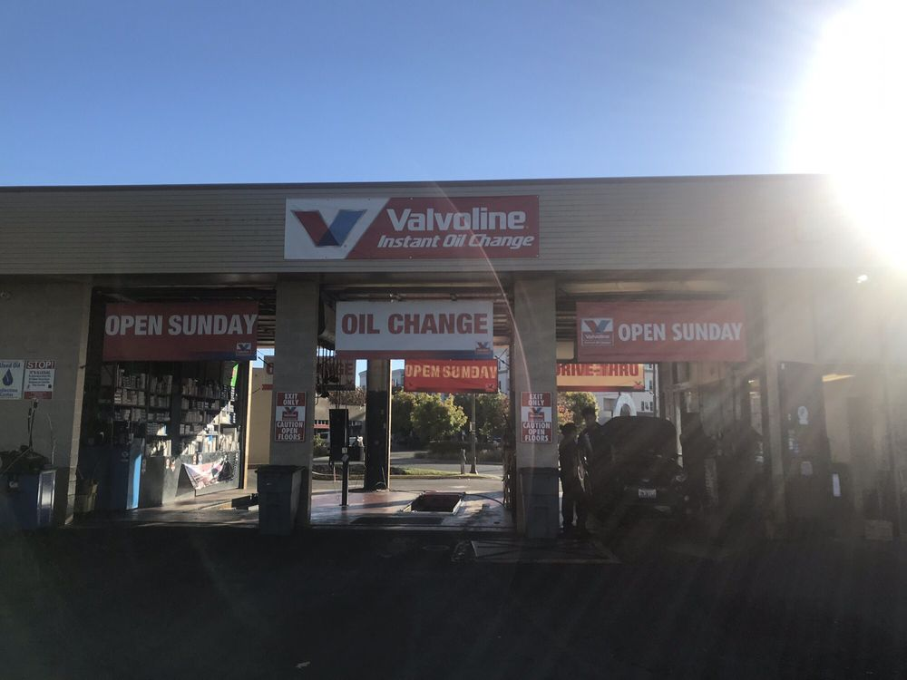 Oil Change Near Me Open Sunday >> Valvoline Instant Oil Change 30 Reviews Oil Change